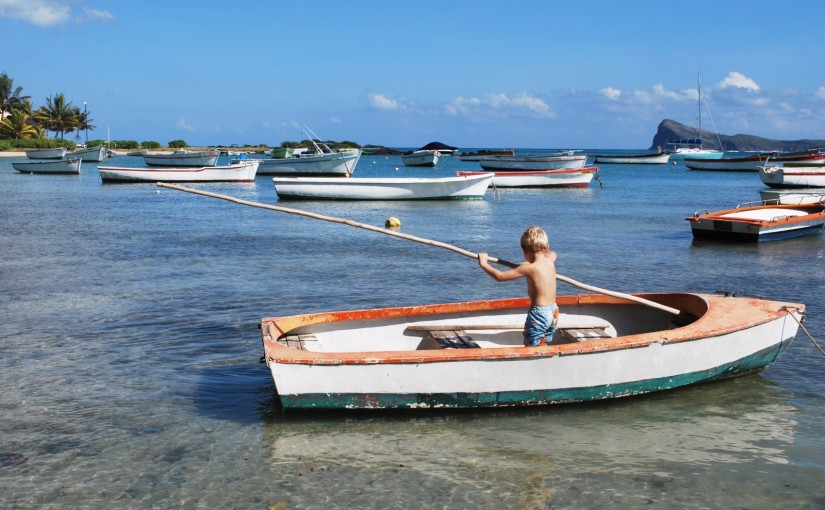 boy-boat-paddle-alone-sea-ocean-white-sailing-1